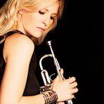 Trompetiviruoos Alison Balsom annab kontserdi Tallinnas
