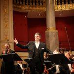 """Ooperistaar Thomas Hampson ja maestro Neeme Järvi esitavad ERSOga Mahleri """"Rändselli laule"""""""