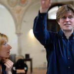 Noort heliloojat Liisa Hirschi kannavad maailmas edu tiivad